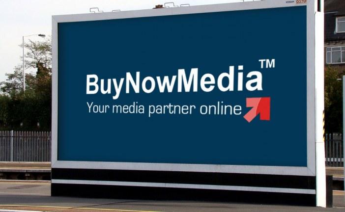 پوستر های دیجیتال یکی از انواع رسانه های تبلیغاتی جذاب